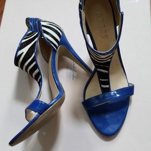 GUESS BLUE AND ZEBRA HEELS SIZE 6.5